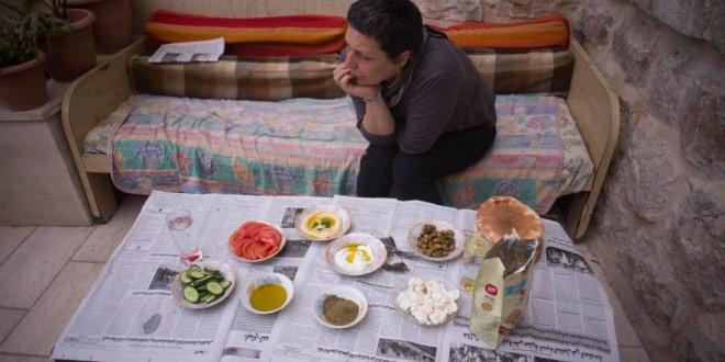 אירוח על הפוליטיקה חברון מתוך סרטה של יעל ערבה מראות